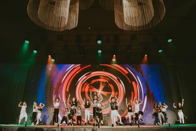 Đội quân dancer nhí hướng dẫn hàng trăm người lớn nhảy flashmod đầy sôi động - Ảnh 19.