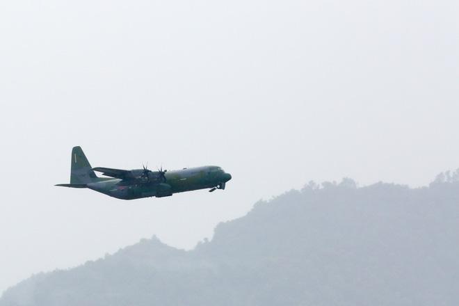 Vận tải cơ C-130J Super Hercules chở đoàn tiền trạm Hàn Quốc dự APEC đáp xuống Đà Nẵng - Ảnh 12.