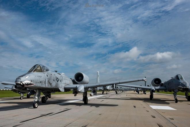 Màn biểu dương lực lượng của A-10 khiến T-14 Armata khiếp vía - Ảnh 3.