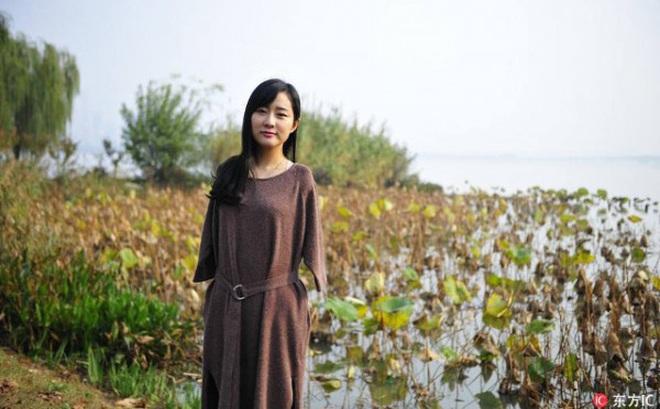 Cô gái không tay bỗng thành 'hiện tượng' trên mạng xã hội Trung Quốc