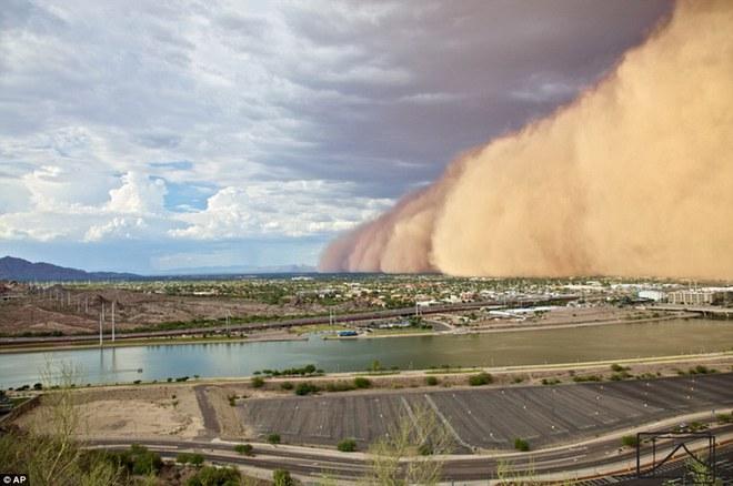 Bức ảnh này không phải trong phim, nó chính là thảm họa nuốt chửng một thành phố của Mỹ - Ảnh 3.