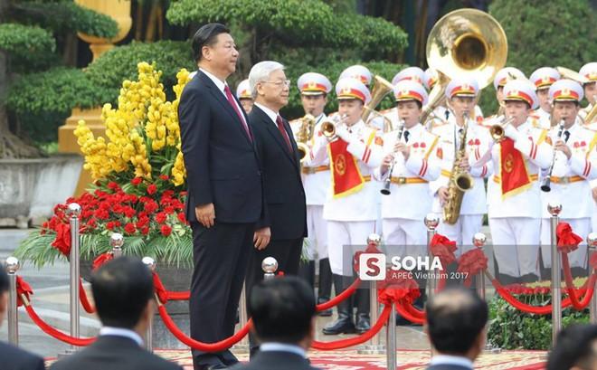 Tiếng đại bác vang lên trong Lễ đón chính thức Chủ tịch Trung Quốc Tập Cận Bình