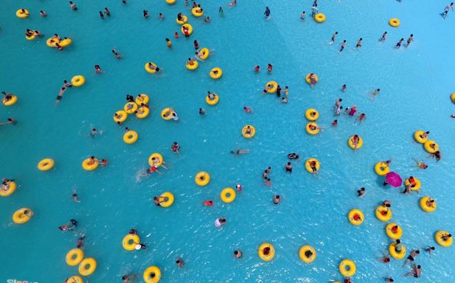 Vì sao bãi biển nhân tạo lớn nhất VN khiến du khách thất vọng những ngày đầu mở cửa?