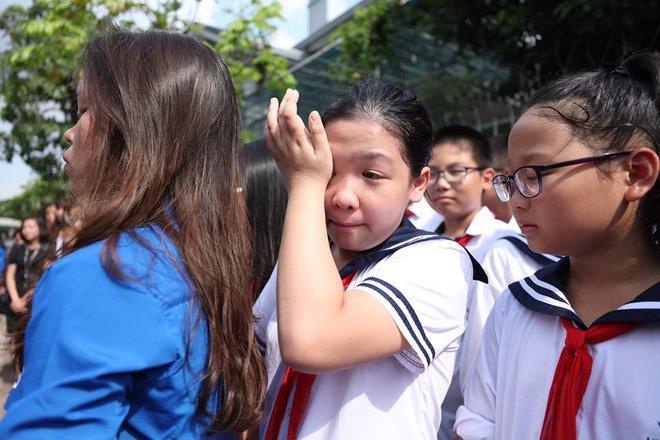 Hơn 1000 học sinh hát vang bài ca Lương Thế Vinh vĩnh biệt thầy Văn Như Cương - Ảnh 7.