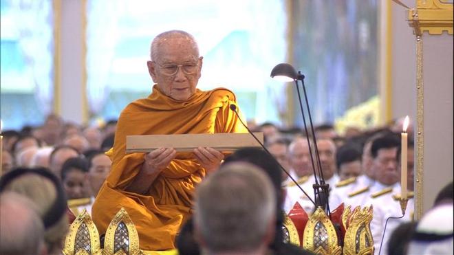 Toàn cảnh lễ hỏa táng cố Quốc vương Thái Lan Bhumibol - Ảnh 6.