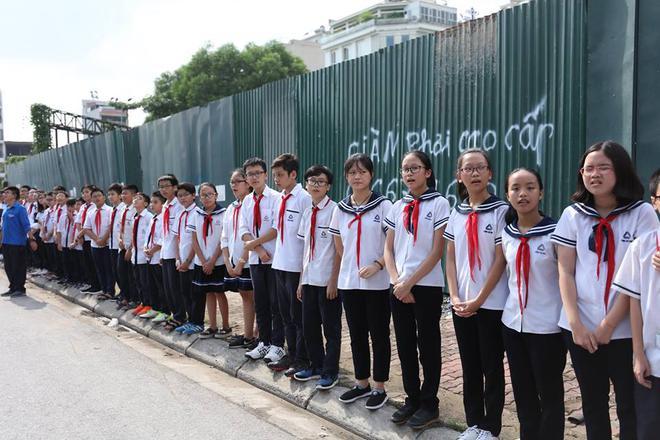 Hơn 1000 học sinh hát vang bài ca Lương Thế Vinh vĩnh biệt thầy Văn Như Cương - Ảnh 11.
