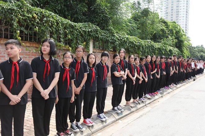 Hơn 1000 học sinh hát vang bài ca Lương Thế Vinh vĩnh biệt thầy Văn Như Cương - Ảnh 12.
