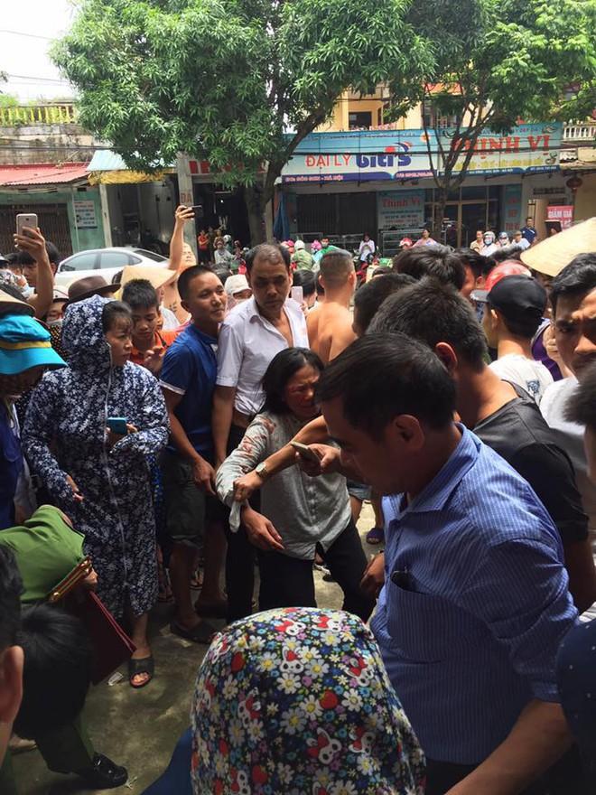 Sự thật đau lòng vụ 2 người phụ nữ bị đánh trọng thương vì nghi bắt cóc trẻ em ở Hà Nội - Ảnh 1.