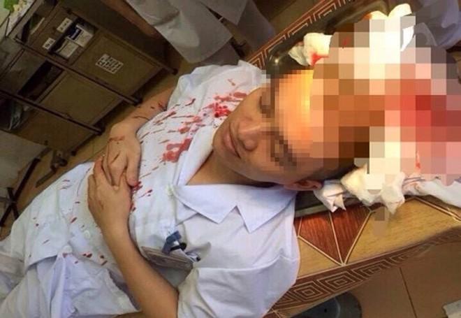 Vì sao bác sĩ Việt dễ bị gửi những nắm đấm, những cái đá hay con dao? - Ảnh 1.