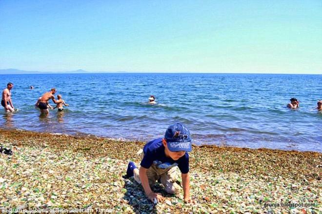 Bãi biển thiên đường đẹp như truyện cổ tích ở Nga sắp biến mất hoàn toàn - Ảnh 5.
