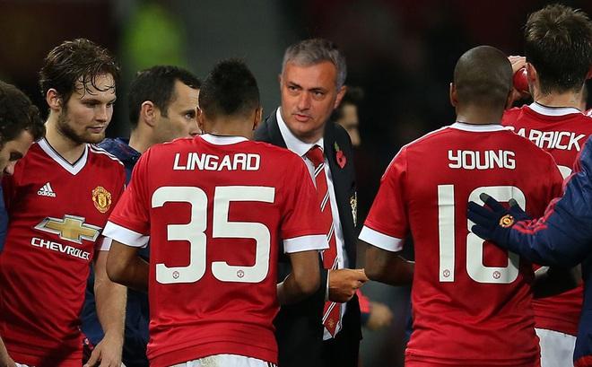 Jose Mourinho đang khiến chính CĐV Quỷ đỏ sợ hãi!