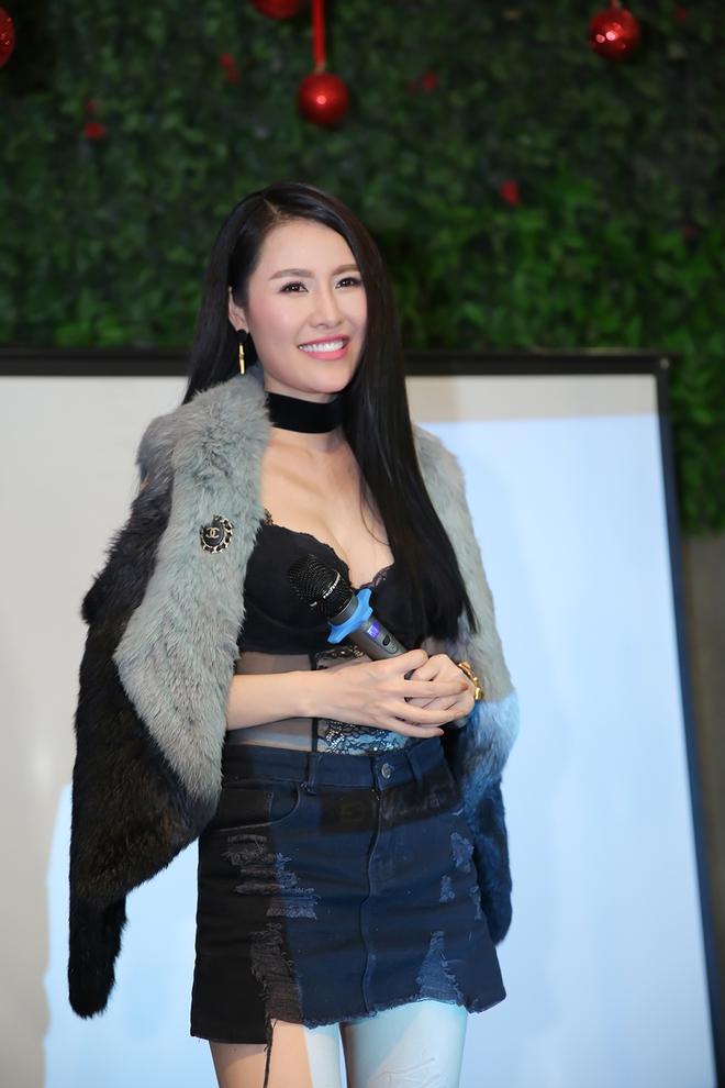 Quế Vân mặc gợi cảm trong buổi ra mắt sản phẩm mới - Ảnh 8.