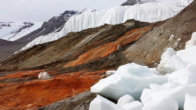 Thác máu: Bí ẩn 106 năm ở Nam Cực vừa được khoa học giải mã - Ảnh 2.