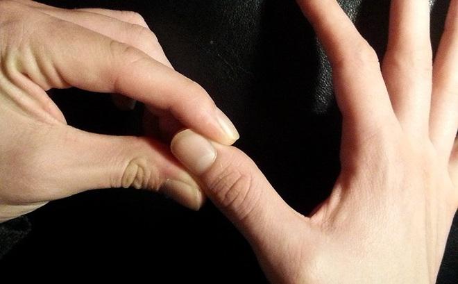 [Video] Bóp 10 đầu ngón tay dễ làm giảm ho, cải thiện bệnh dạ dày nên làm ngay