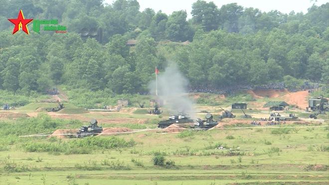 Ấn tượng quân sự Việt Nam tuần qua: Sản phẩm công nghiệp quốc phòng độc đáo của Việt Nam - Ảnh 1.