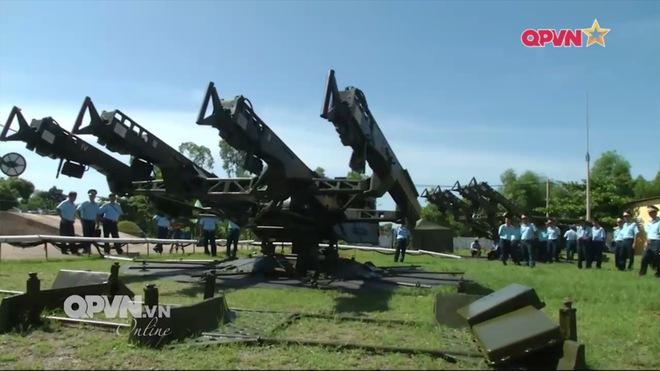 Ấn tượng quân sự Việt Nam tuần qua: Nghiên cứu, làm chủ nhiều loại vũ khí trang bị mới - Ảnh 3.