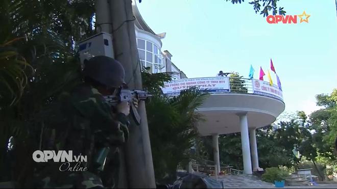 Trang bị hiện đại của Đặc nhiệm Biên phòng Việt Nam tham gia diễn tập cùng Trung Quốc - Ảnh 1.