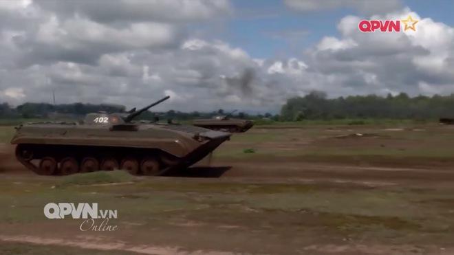 Hình ảnh ấn tượng về hoạt động huấn luyện chiến đấu của Quân đội Việt Nam tuần qua - Ảnh 1.