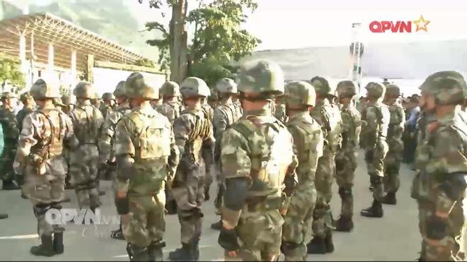 Trang bị hiện đại của Đặc nhiệm Biên phòng Việt Nam tham gia diễn tập cùng Trung Quốc - Ảnh 2.