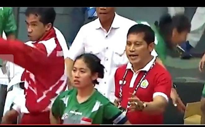 """Indonesia lại """"sống dở chết dở"""" sau vụ bỏ thi đấu vì trọng tài xử ép"""