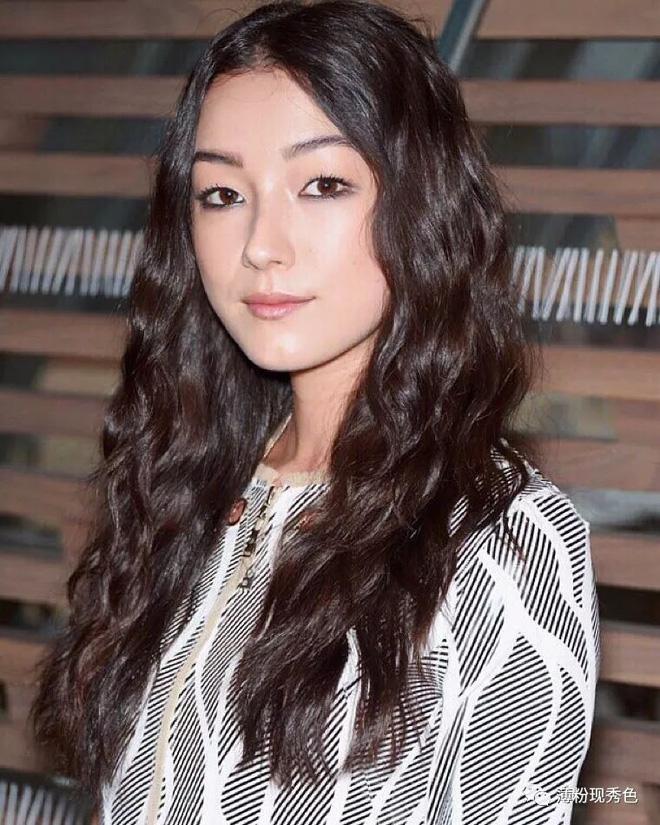 Cận cảnh nhan sắc diễn viên nữ duy nhất được đóng phim bom tấn cùng Jack Ma, Lý Liên Kiệt, Chân Tử Đan - Ảnh 3.