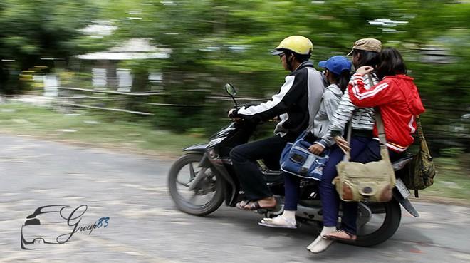 Hình ảnh người phụ nữ trên phố Hà Nội khiến cánh đàn ông tái mặt ái ngại - Ảnh 4.