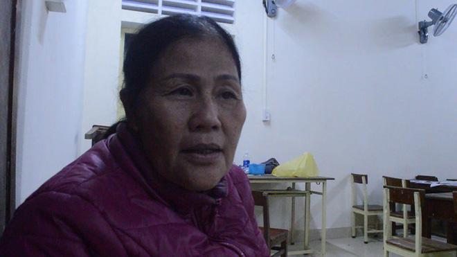 Cô giáo già từng bị cho là điên, 42 năm thầm lặng chở chữ cho con em vùng vạn đò xứ Huế - Ảnh 1.