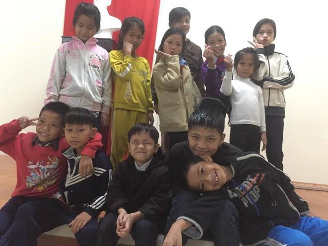 Cô giáo già từng bị cho là điên, 42 năm thầm lặng chở chữ cho con em vùng vạn đò xứ Huế - Ảnh 5.