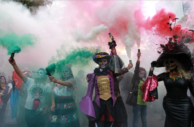 Ngày của Người chết - Lễ hội trên vùng đất vừa cướp đi sinh mạng của trăm người - Ảnh 11.
