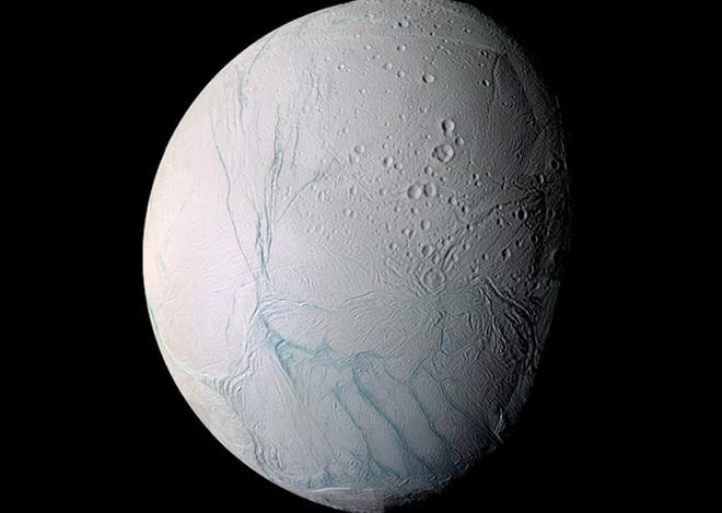 Bí mật dưới lòng đại dương Enceladus - ứng viên sáng giá nhất có sự sống trong Hệ Mặt Trời - Ảnh 3.