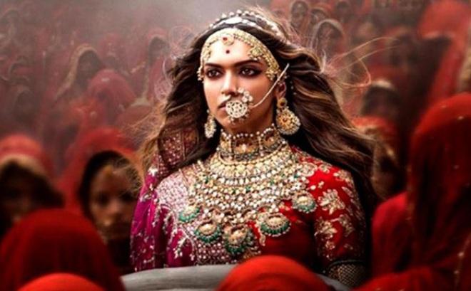 Phim điện ảnh Bollywood hoãn công chiếu, nữ chính và đạo diễn   bị săn lùng để lấy thủ cấp