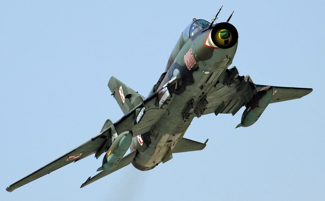 Su-22 phải làm sao để chiến thắng F/A-18 trong không chiến? - Ảnh 1.