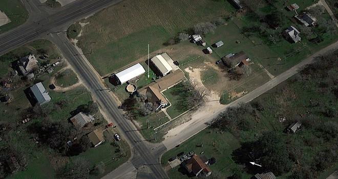 Xả súng ở Texas, ít nhất 26 người thiệt mạng, cảnh sát tiến hành khám xét nhà hung thủ - Ảnh 15.