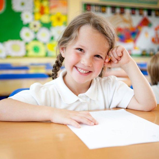 Hãy kể tên 7 kỳ quan của thế giới và câu trả lời của cô bé 9 tuổi khiến cả lớp bất ngờ - Ảnh 1.