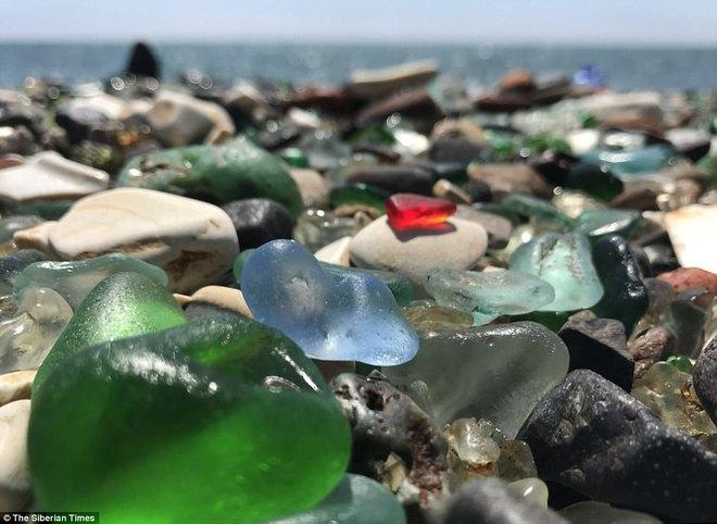 Bãi biển thiên đường đẹp như truyện cổ tích ở Nga sắp biến mất hoàn toàn - Ảnh 6.