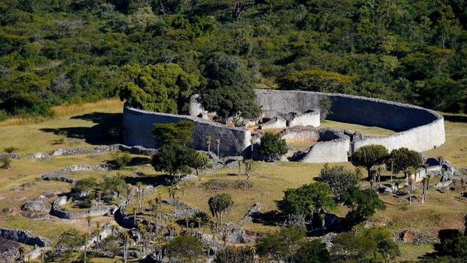 5 công trình khảo cổ bí ẩn không kém kim tự tháp Ai Cập - Ảnh 1.