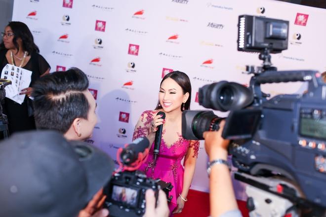 Em gái tỷ phú của Cẩm Ly gây chú ý khi xuất hiện tại thảm đỏ LHP Hollywood - Ảnh 5.