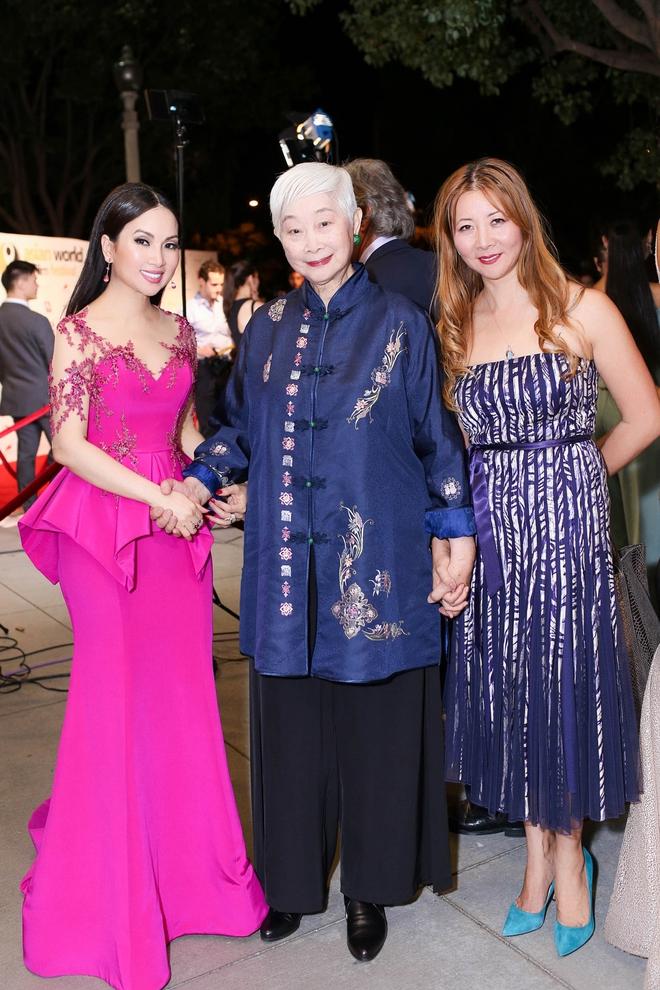 Em gái tỷ phú của Cẩm Ly gây chú ý khi xuất hiện tại thảm đỏ LHP Hollywood - Ảnh 10.