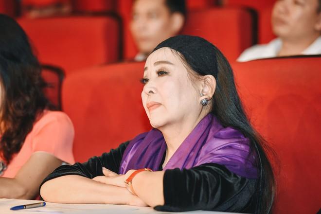 NSND Thu Hiền: Nghệ thuật không có ranh giới, từ không chuyên mới chuyên nghiệp được - Ảnh 1.