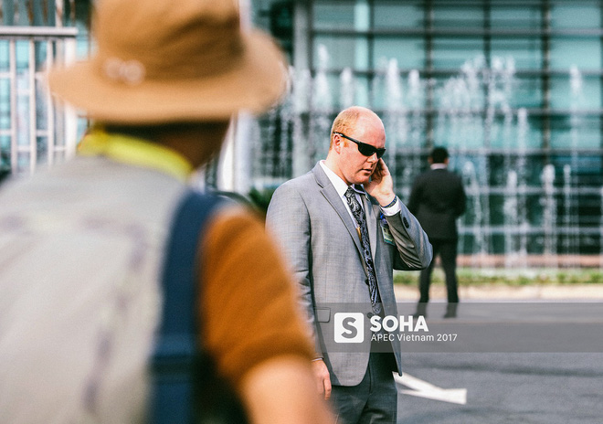 [ẢNH] Quy trình đảm bảo an toàn tuyệt đối cho tổng thống Trump tại sân bay ở Việt Nam - Ảnh 2.