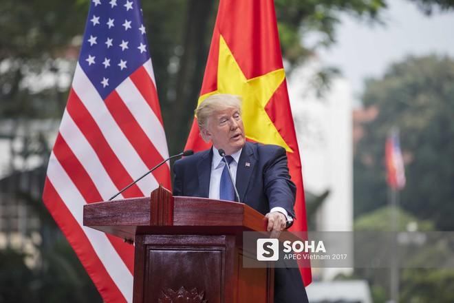 [ẢNH] Toàn cảnh lễ đón chính thức Tổng thống Mỹ Donald Trump tại Hà Nội - Ảnh 14.