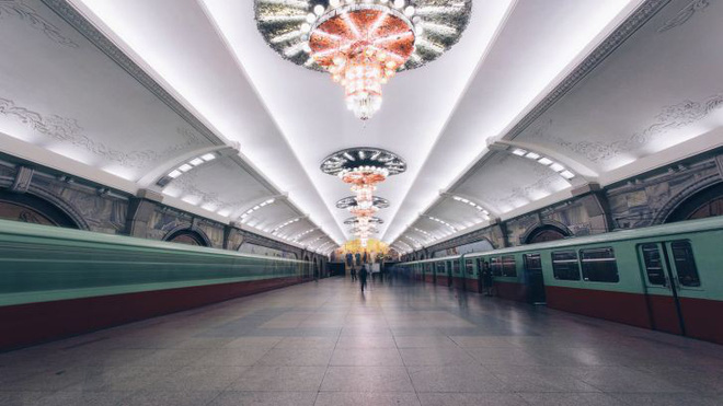 Người Hong Kong kể trải nghiệm thú vị khi đi tàu điện ngầm ở Triều Tiên - Ảnh 1.