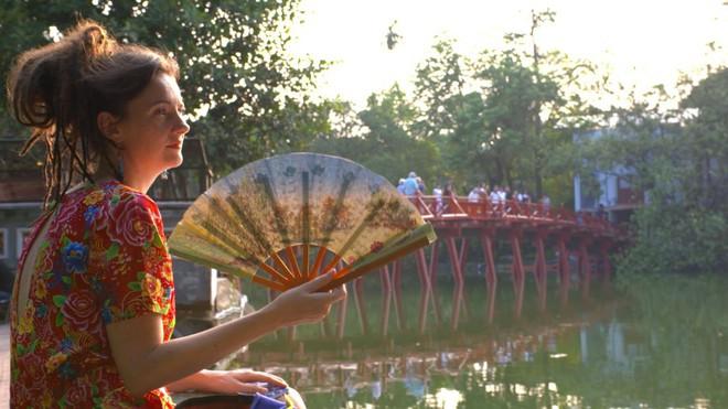 CNN tiết lộ bí mật của Hà Nội trong mắt những nghệ sĩ, nhà báo đang sống ở thủ đô - Ảnh 7.