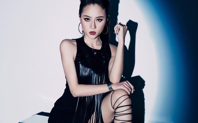 Hot girl The Voice Huyền Dung xúc động trước tình cảm của Đông Nhi