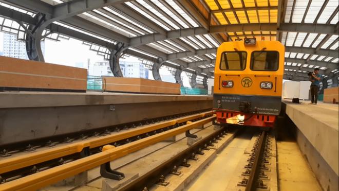 Thứ trưởng Bộ GTVT nói về việc vỡ kế hoạch chạy thử dự án đường sắt trên cao  - Ảnh 1.