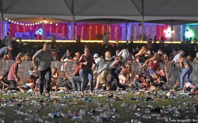 Phát hiện kho vũ khí hàng nghìn viên đạn tại nhà nghi can xả súng Las Vegas