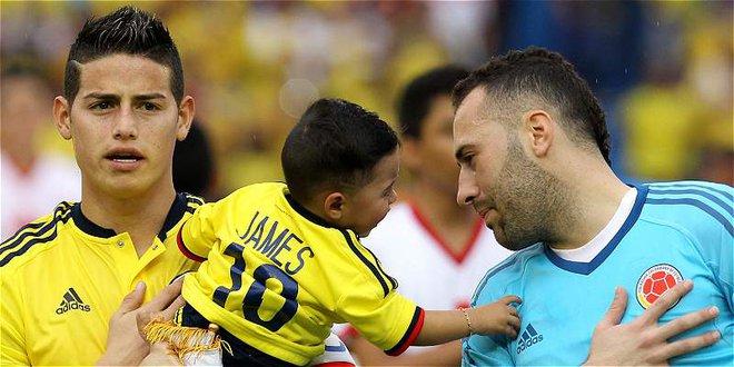 Bức ảnh của Firmino và chuyện người thân trong bóng đá hiện đại - Ảnh 2.