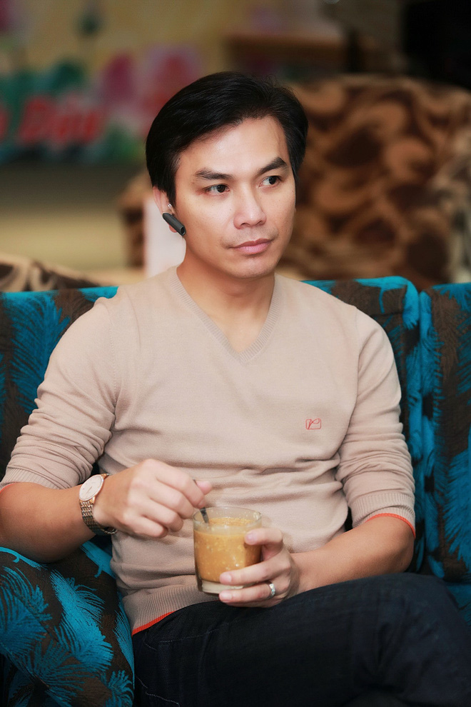 Hình ảnh bảnh bao của ca sĩ Mạnh Quỳnh ở Hà Nội - Ảnh 2.