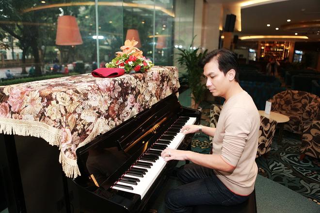 Hình ảnh bảnh bao của ca sĩ Mạnh Quỳnh ở Hà Nội - Ảnh 6.