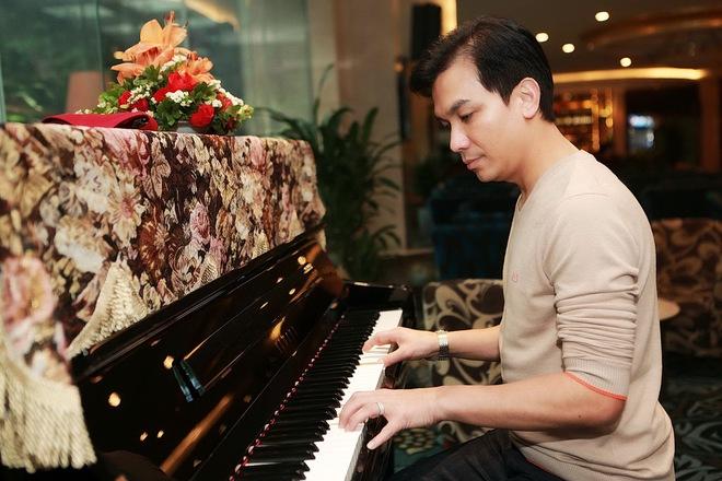 Hình ảnh bảnh bao của ca sĩ Mạnh Quỳnh ở Hà Nội - Ảnh 5.